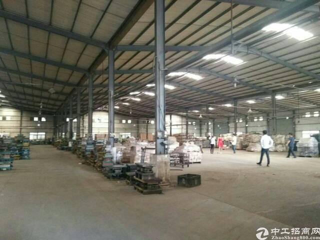 坪山区石井田头市场附近钢结构厂房1600平