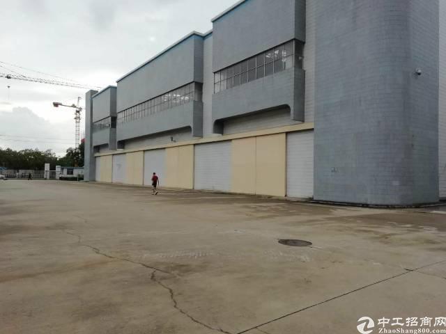 石岩北环边十米高钢构厂房8000平带行车招租可分租