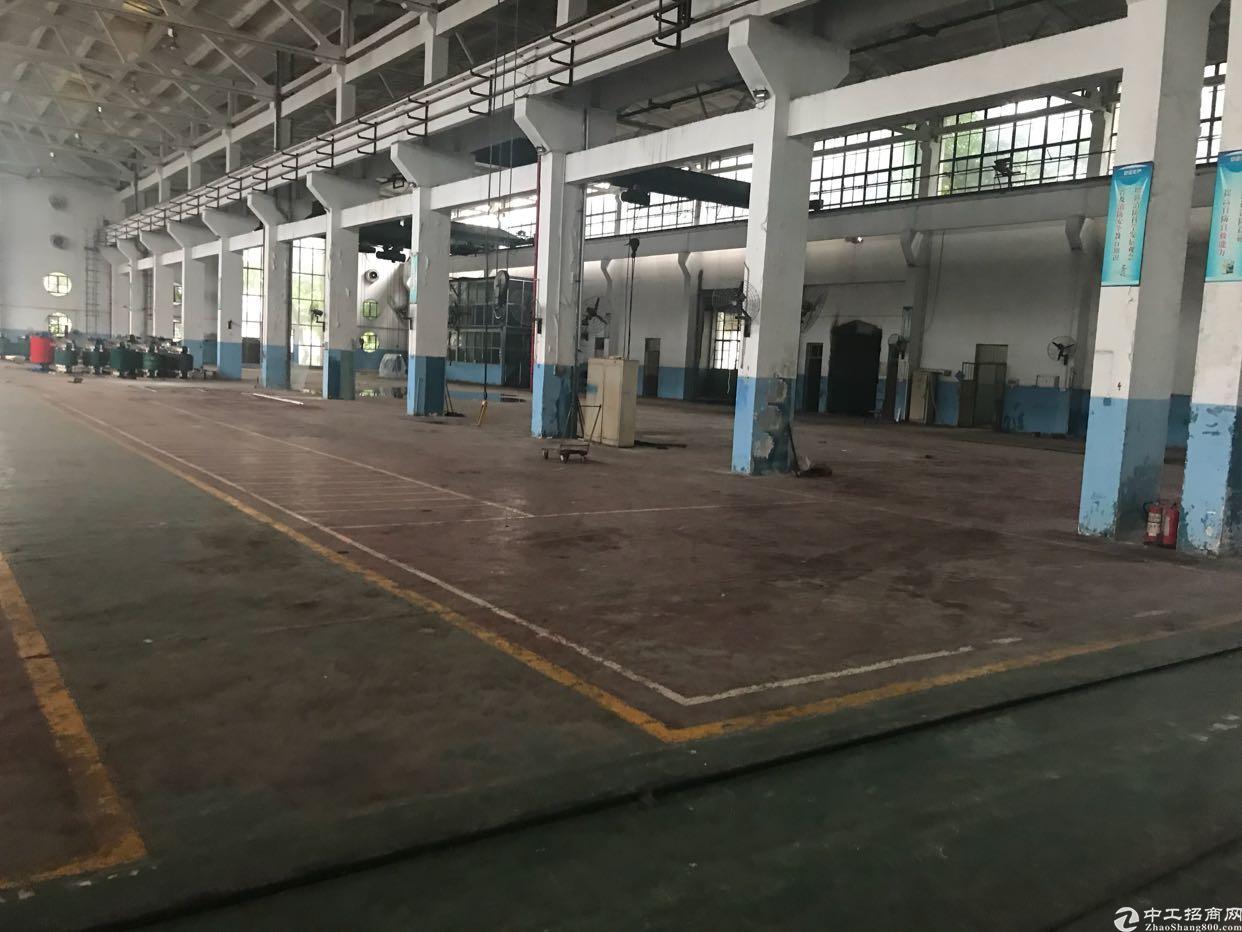 新出10米高带行车重型钢结构厂房
