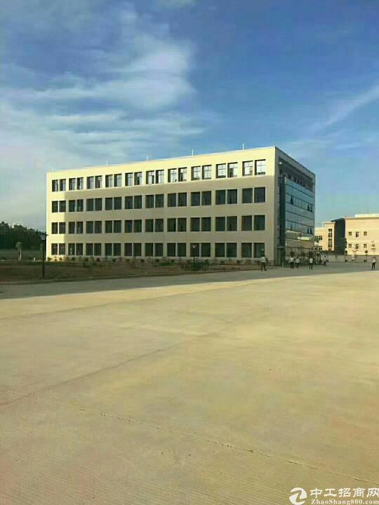位于临深圳光明新建32000平方厂房高大上