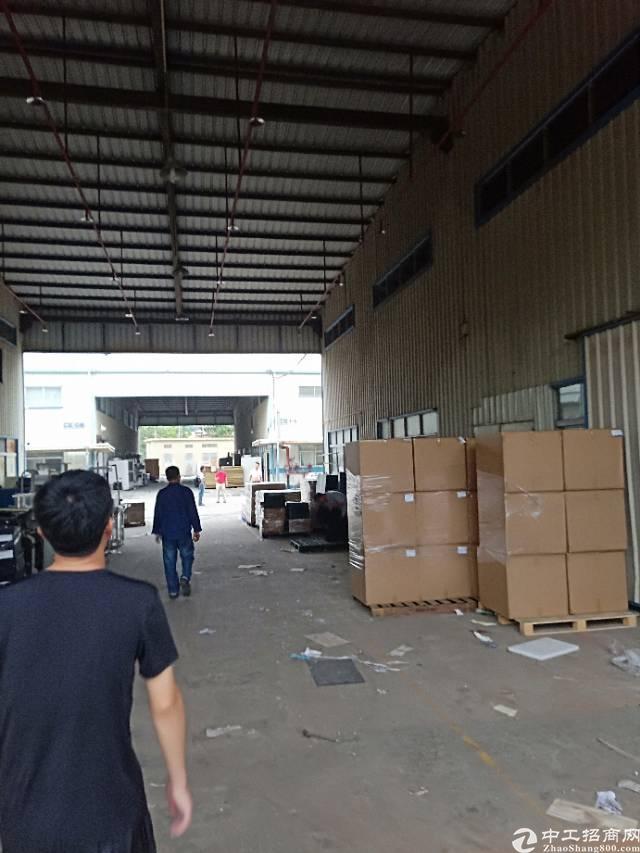 平湖独院8米高23000平方钢构厂房出租