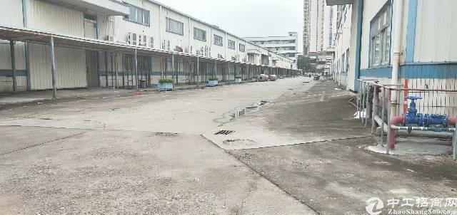 平湖新出单一层8米高独院钢构23000平方出租
