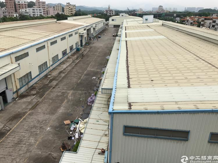 深圳平湖2万平钢构出租大小可分租了