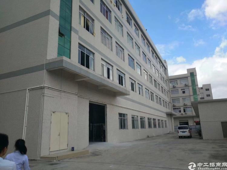 沙井共和附近新出独门独院6800平米,厂房出租。