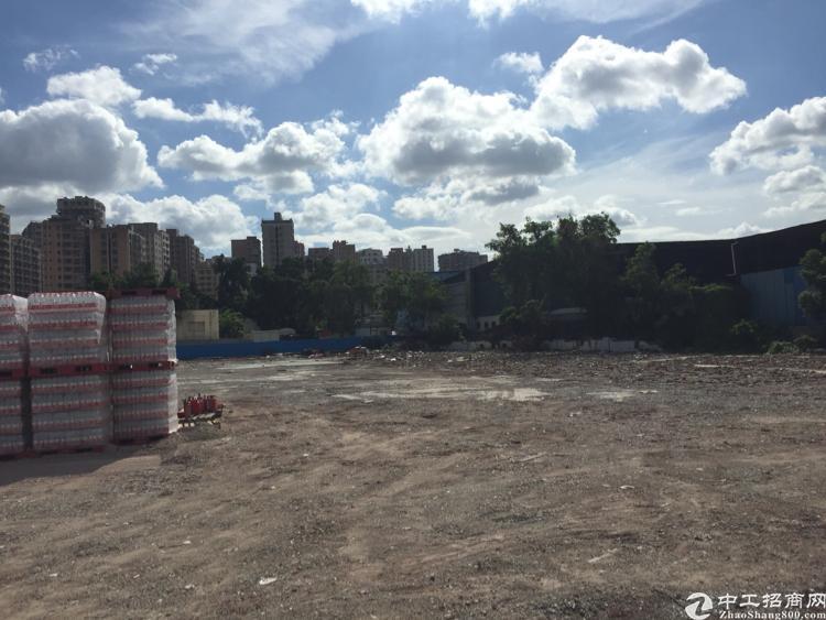 深圳龙华区新出空地5000平可做停车场充电桩车流量超大