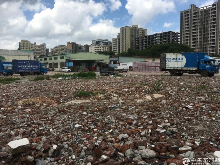 龙华清湖高速口空地4000平出租