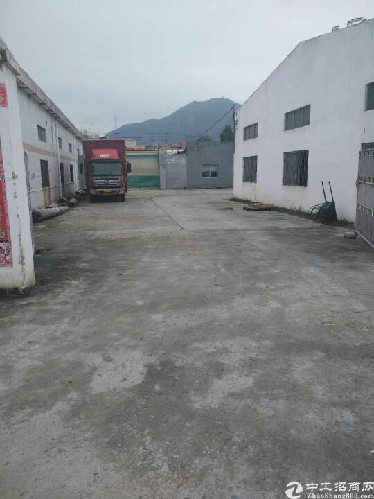 坪山区浪尾社区钢结构厂房1350平米