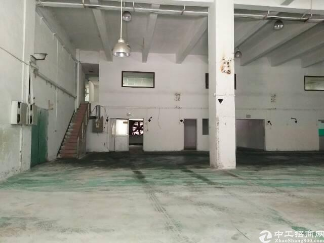 宝安大道边新出带货梯一楼楼上厂房出租