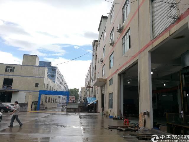 龙岗爱联地铁口一楼标准厂房600平带办公室