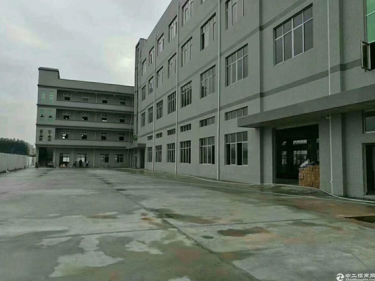 平湖乡辅城坳厂房出租