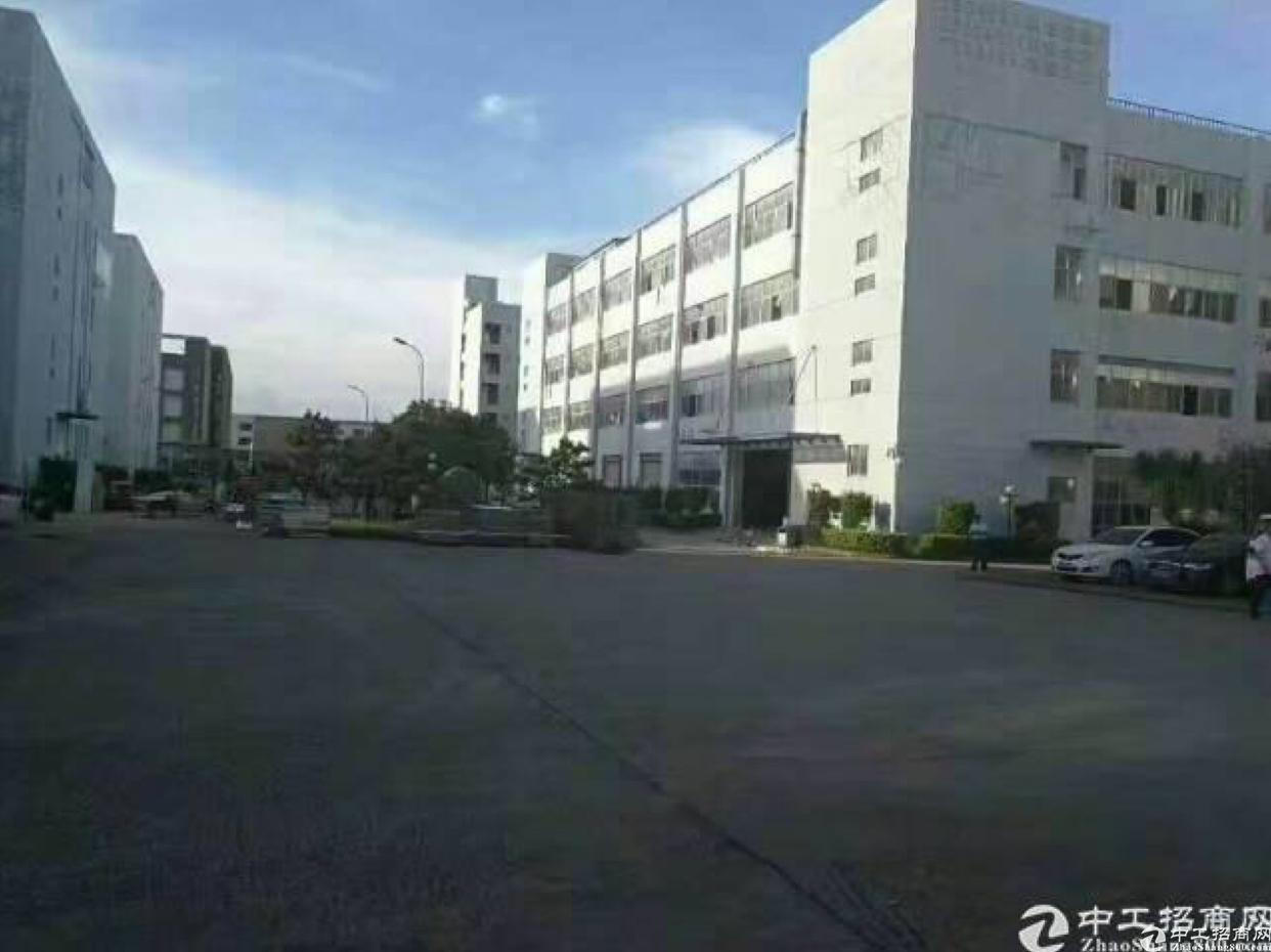 龙岗区平湖原房东独门独院厂房3800平米出租