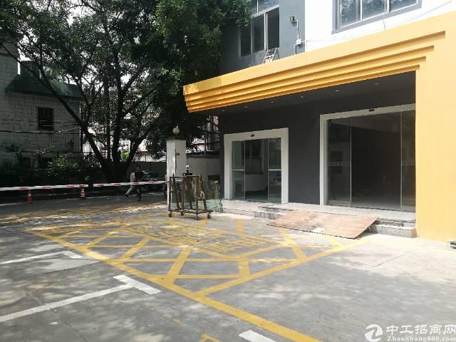 龙华龙胜地铁站旁新出二楼,标准厂房1300平