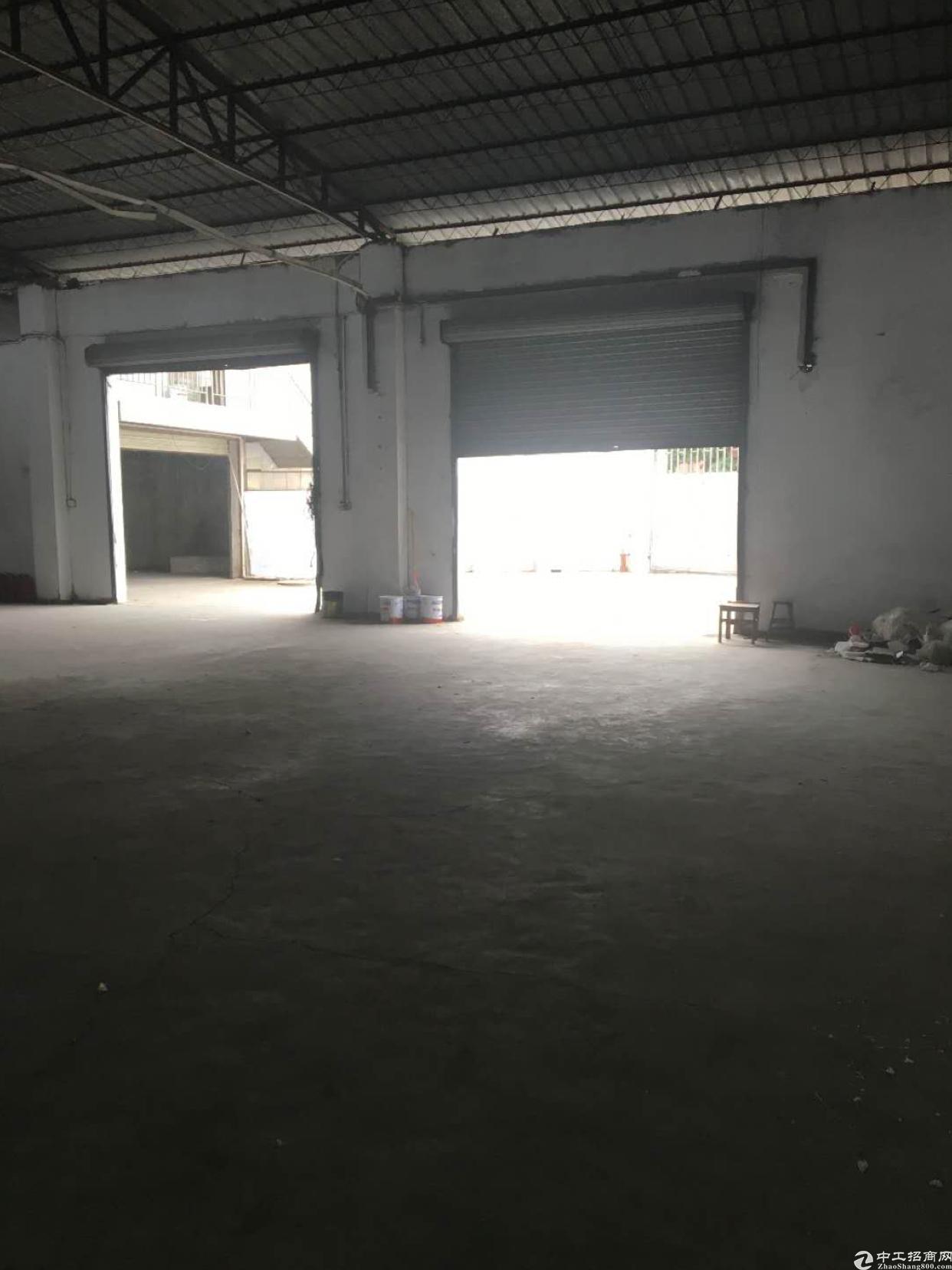 独门独院厂房一层1300带宿舍办公楼