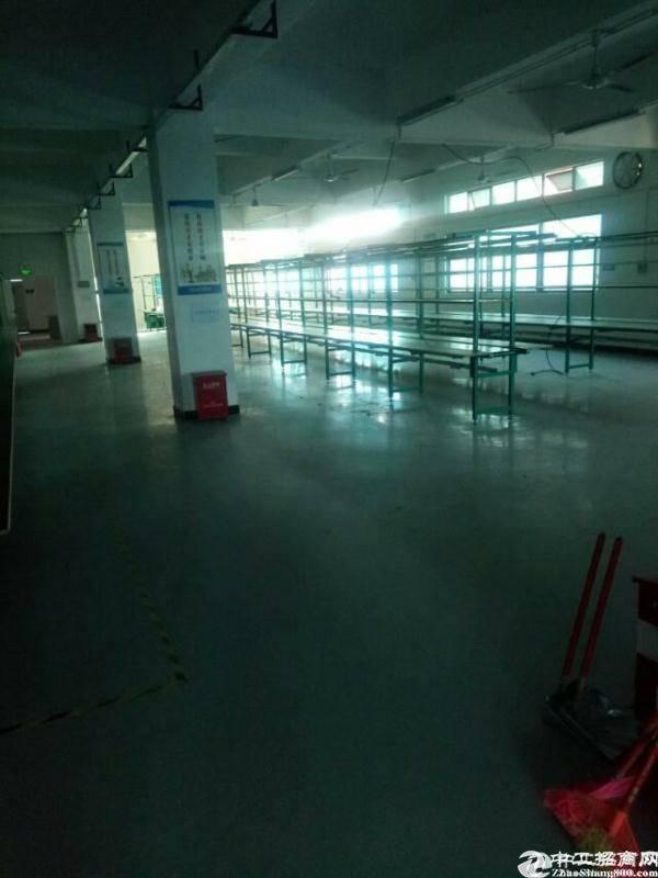 平湖辅城坳新出原房东1500平方米装修
