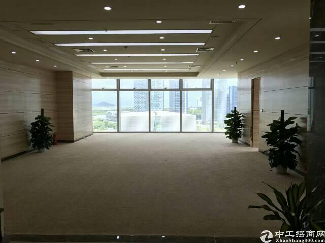宝安中心区甲级写字楼458平米豪华装修出租