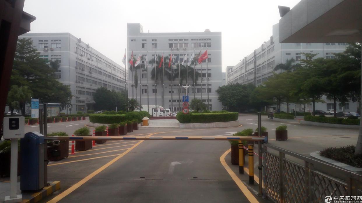 福永地铁站附近楼上600平带装修招租