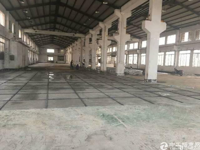 清溪镇靠凤岗重工业单一层厂房4000平方招租