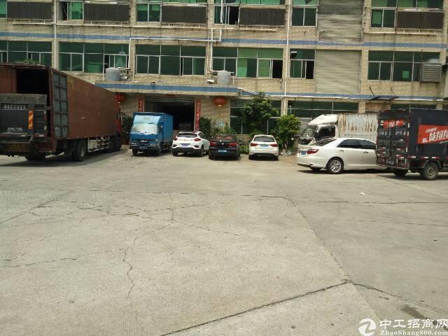 平湖富民工业区一楼厂房1000平米招租!