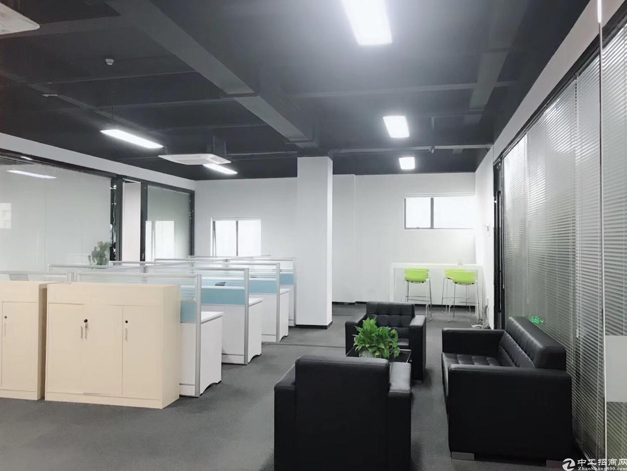 福永桥头地铁口附近楼上精装修550平方大小分租