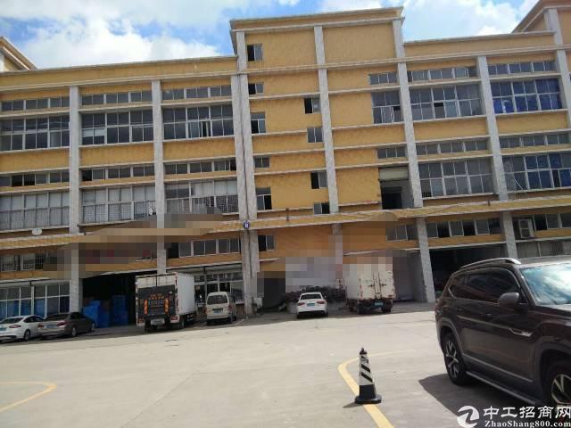 公明2楼层高7米重工业厂房2800平只租22元