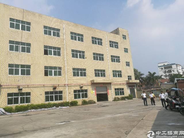 公明新出独院厂房4800平方出租。
