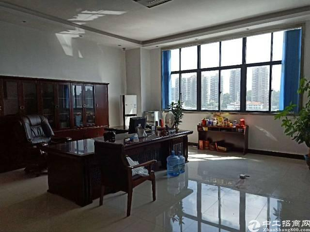 松岗龙大高速出口新出楼上整层1800平方带装修厂房现低价出租