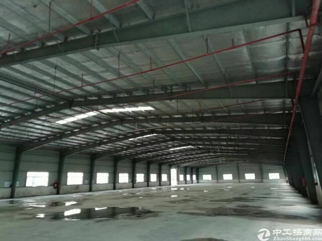惠阳新圩成熟工业园区是3400平米砖墙到顶钢构厂房招租