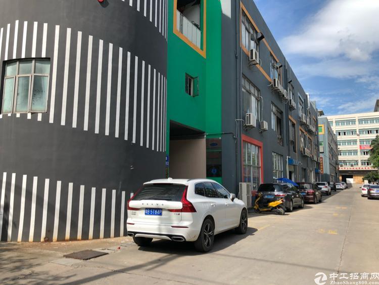 福永塘尾新出1楼1300平米带装修厂房出租
