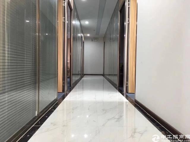 清湖地铁口100米处新出楼上200平方,带装修,拧包入住