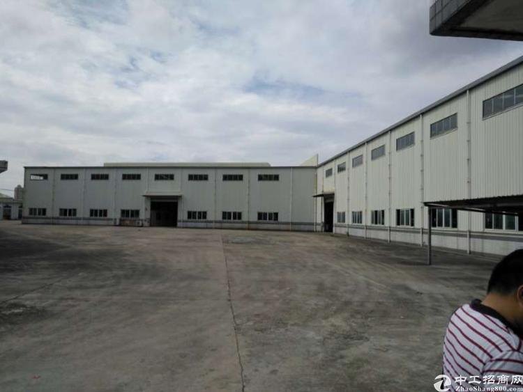常平镇11米高单一层独立办公楼宿舍现成5部航车厂房