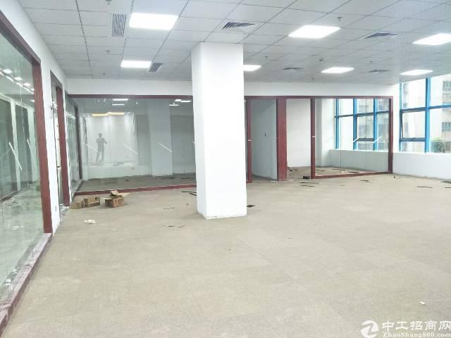 布吉李朗村地铁站口附近办公厂房,1850平方,可分租88平起
