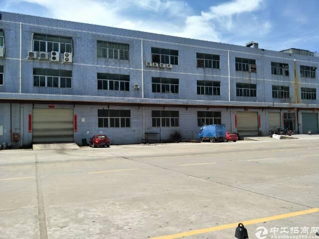 出租沙井新桥高速路口附近独栋厂房6900平米
