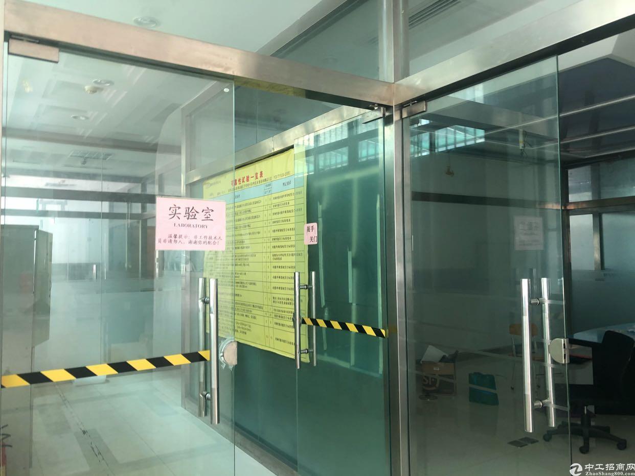 龙华龙胜地铁口旁500米处楼上豪华装修1600平方厂房出