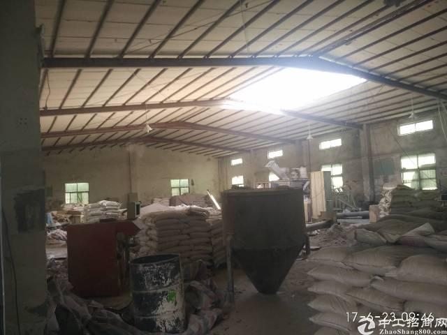 原房东独院钢构厂房出租,有隔热层,滴水7米,面积实量