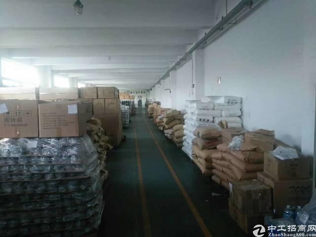 福永塘尾新出楼上2200平方标准厂房出租
