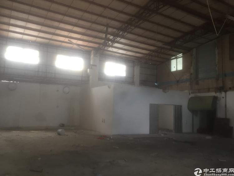 新出滴水5米400平钢构厂房带有精装办公室出租