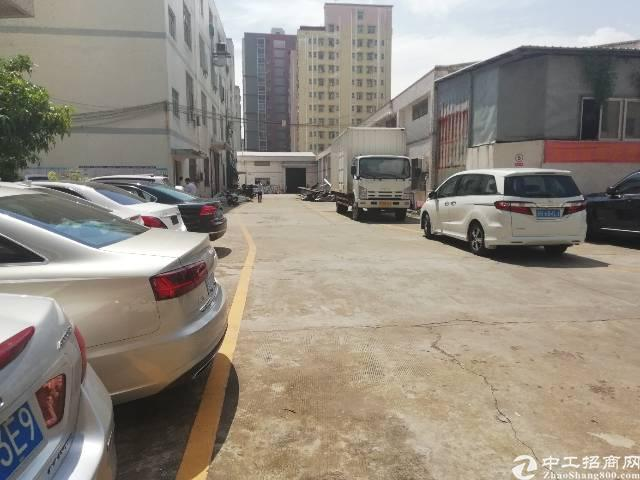 观澜龙观快线旁新出一楼2000平方厂房出租