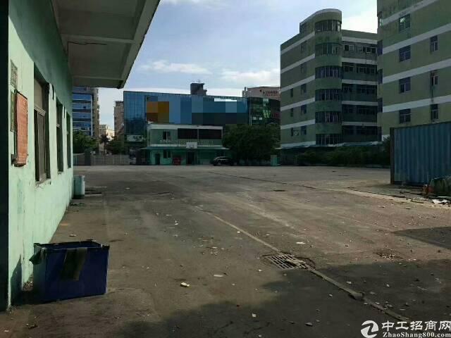 清湖地铁口新出一楼8600平方仓库招租可分租