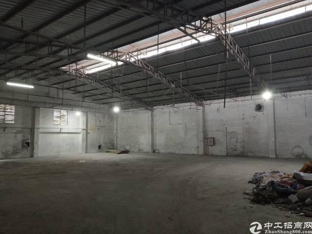 东城区单一层厂房2500方,租金15,交通便利。
