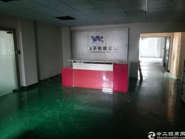 沙井后亭地铁口新出楼上280平精装厂房出租