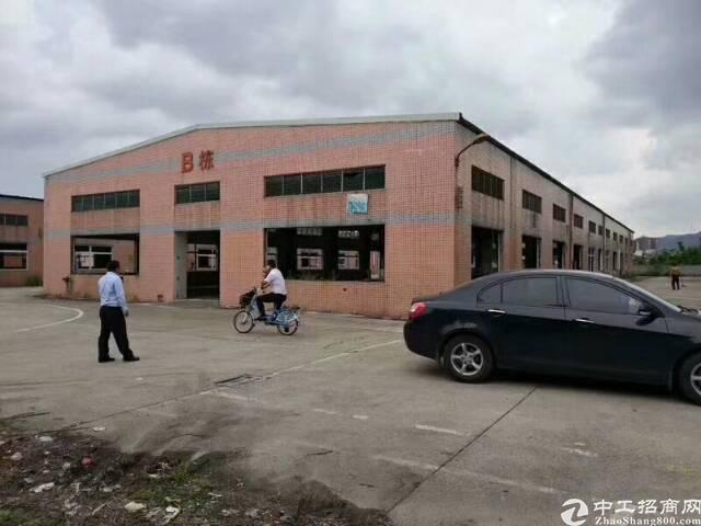 凤岗靠平湖物流仓库三栋共5500平米招租!