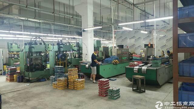 沙井西部工业园新出一楼2200平方带装修无转让费