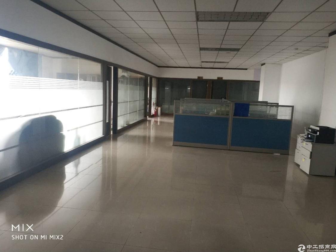 龙华华荣路边4楼整层1450平,带装修出租,25元全包