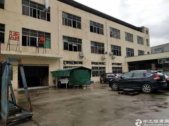 平湖华南城边上新出6800平方独院厂房招租