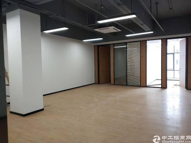 福永凤凰精装写字楼出租,面积大小可分,户型方正
