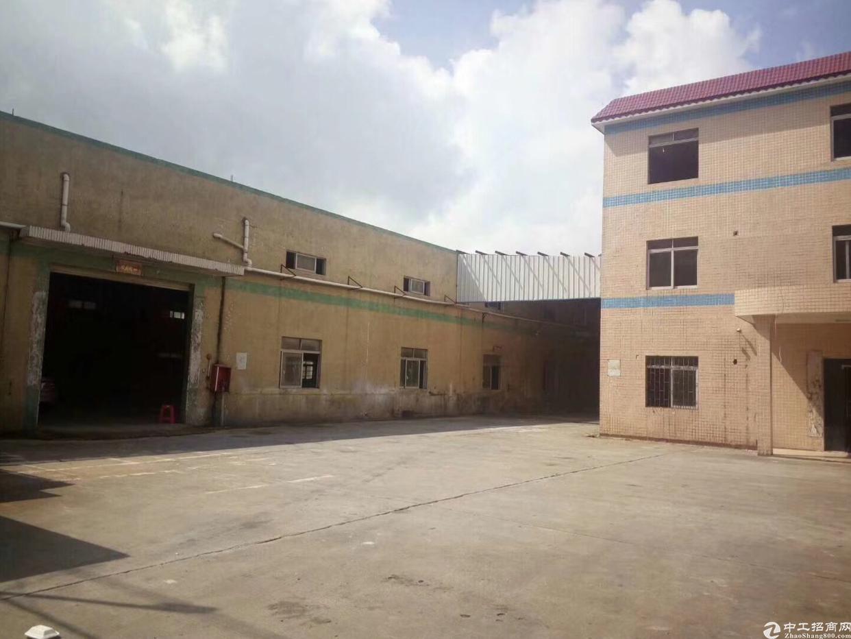 清溪镇高速出口旁300平带装修厂房出租