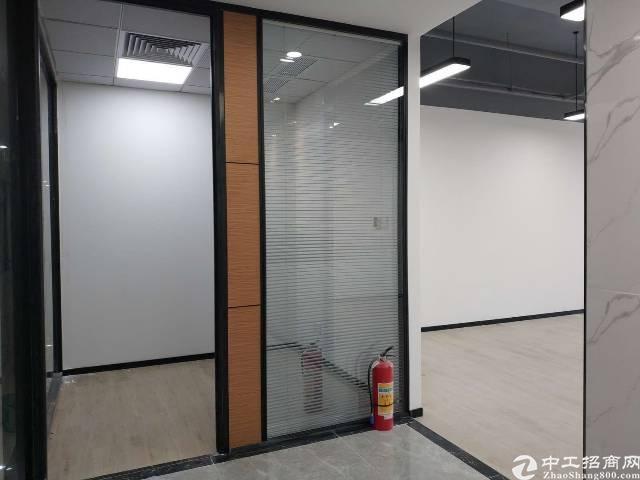 福永桥头地铁口精装写字楼特价出租