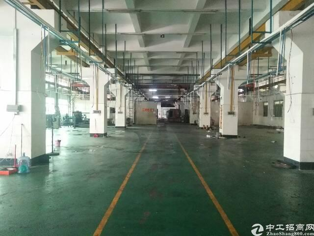 长安沿江高速附近新出九成新厂房分租一楼2000平方带牛角位