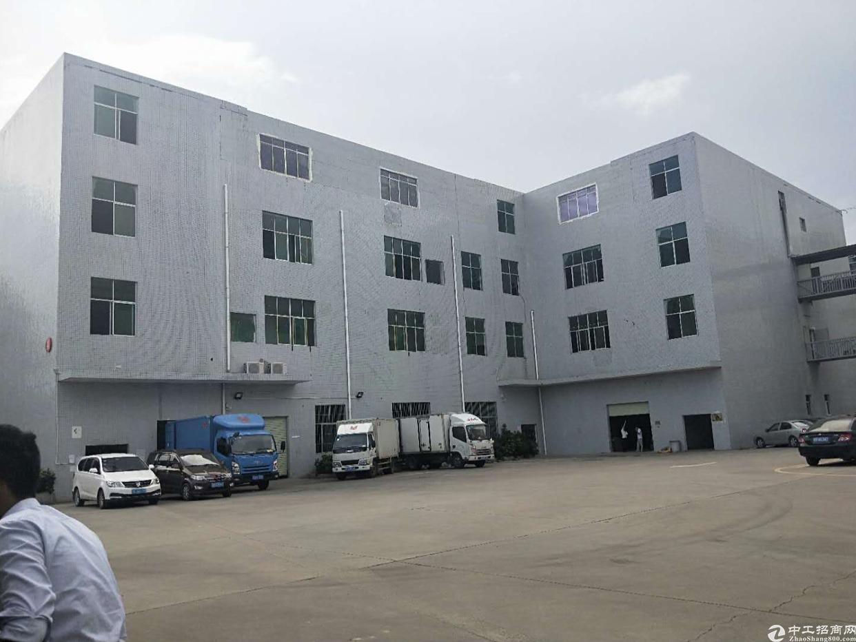 龙岗同乐红本一楼5.8米高独院标准厂房出租