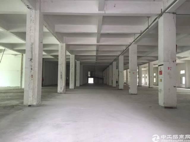 坐南朝北一楼2万平方米,六米高